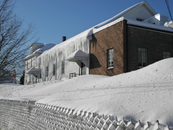Daaaaaaamn that's a lot of icicles.